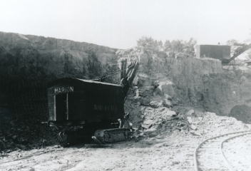 Shale mine, Alton Brick Co., Maryland Heights, Missouri.