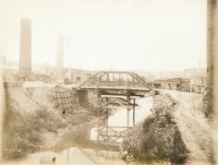 Laclede-Christy Bridge over River Des Peres