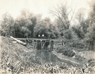 Narrow gauge rail bridge over River Des Peres