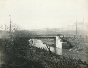Macklind Bridge over River Des Peres