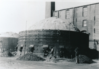 Round down-draft kilns, Evens & Howard Sewer Pipe Co.