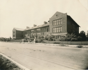 George Dewey School