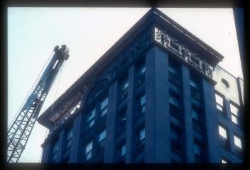LincolnTrust_1983_p13_slide13_37