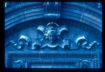 LincolnTrust_1983_p13_slide4_34
