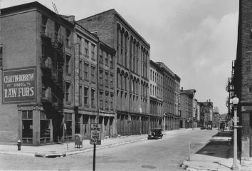 Fur district, 1st Street & Market Street