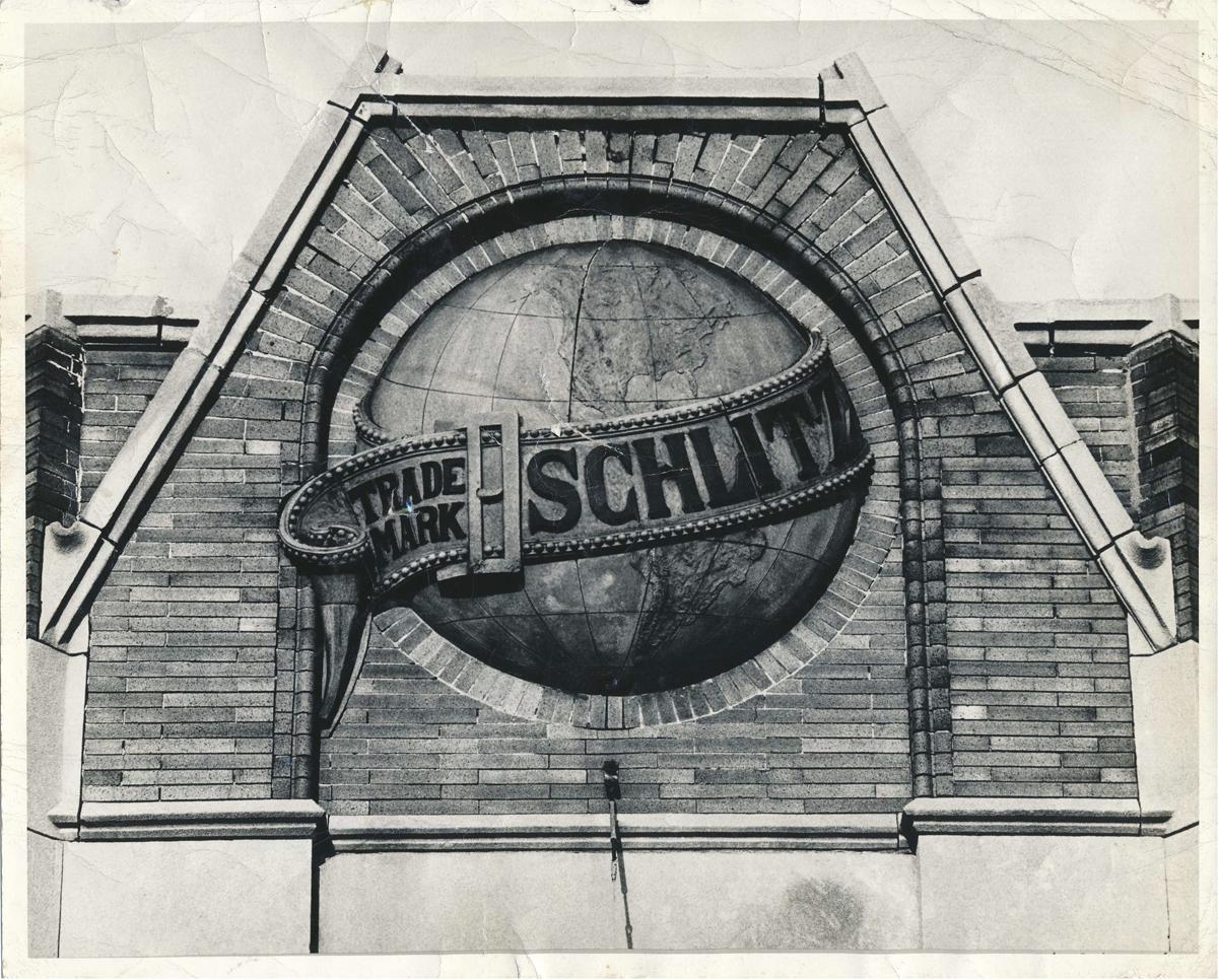 SchlitzEmblem_p1_print1_01-lg